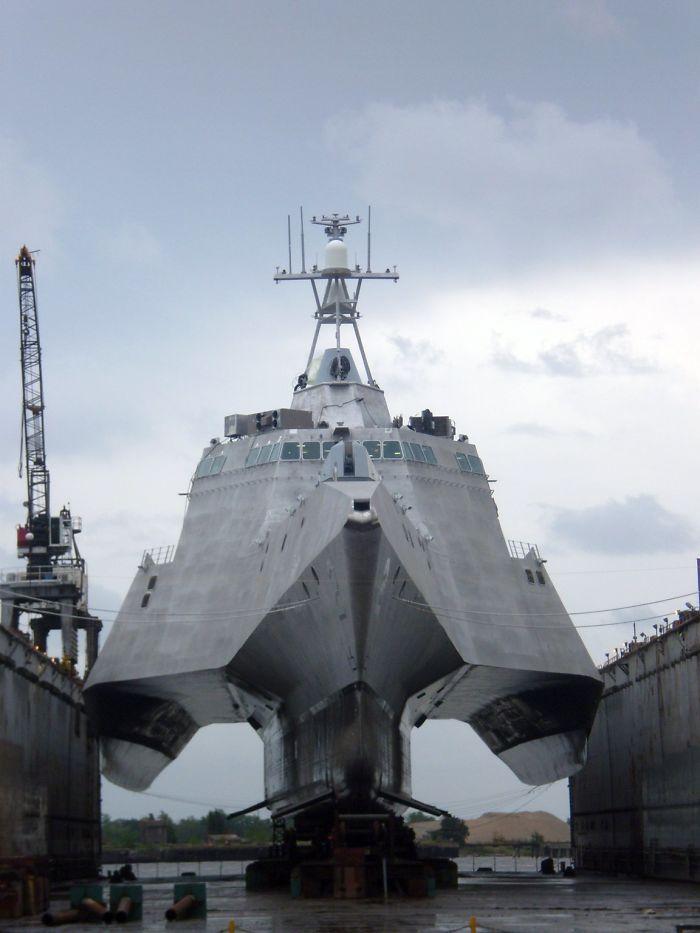 # 7 Moderné bojová loď